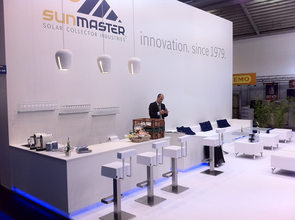 Sunmaster - modern trade fair stand in white with led lightning