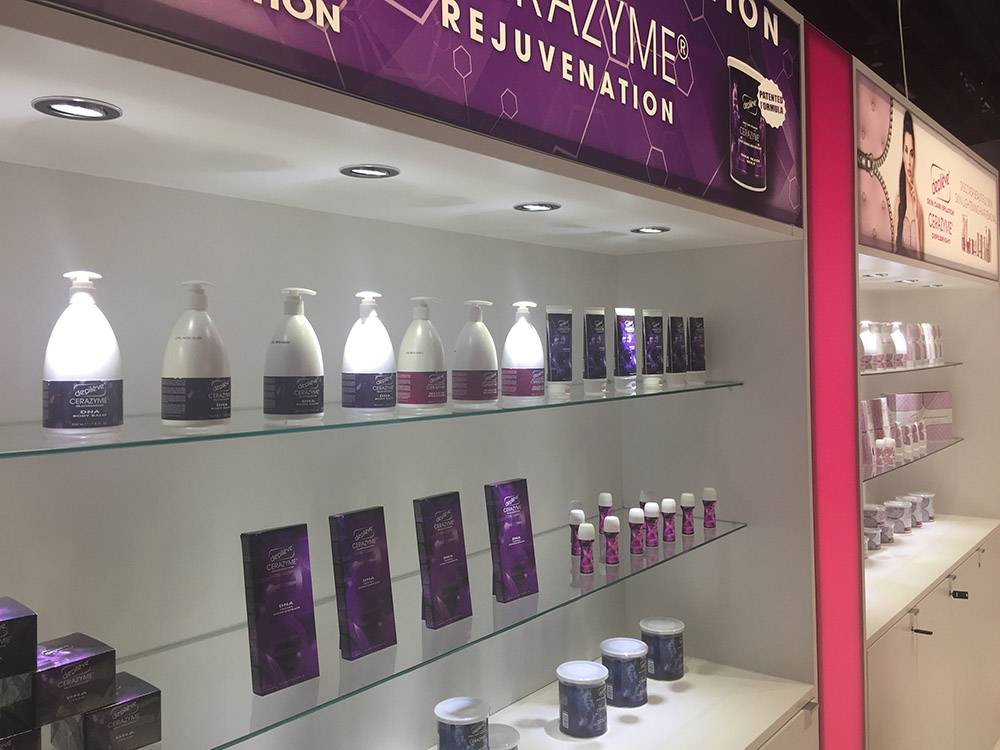 Messestand Vitriene für Beauty Produkte Showcase
