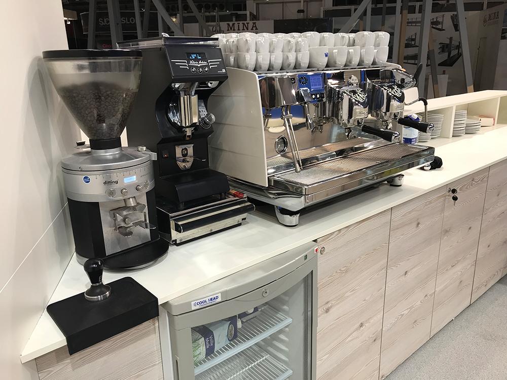 Victoria Arduino Siebträger Kaffeemaschine am Messestand